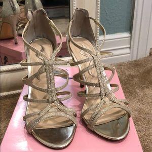 Nina DSW Gold Glitter Heels/Pumps